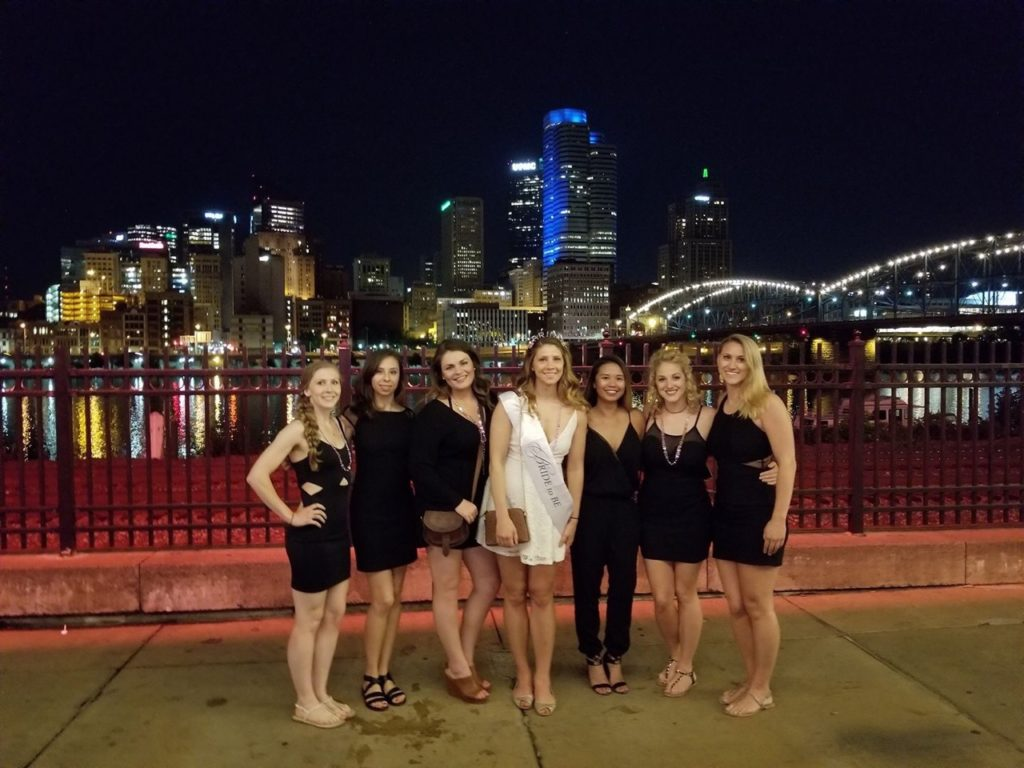 bachelorette party ladies posing downtown Pittsburgh